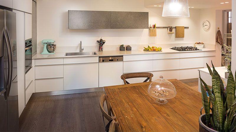 פרקט עץ מלא במטבח